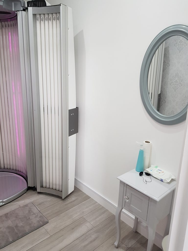 Sunbed Room | Basic Beauty Ltd | Universal Treatment
